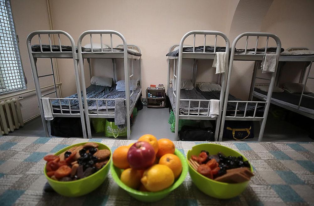 Холодильник Мамаева в Бутырке удивил изобилием