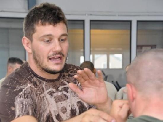 Митрион принес извинения Харитонову за удар в пах
