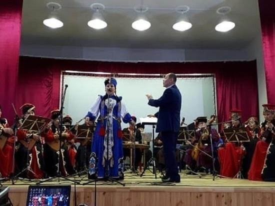 Национальный оркестр Калмыкии начинает гастроли