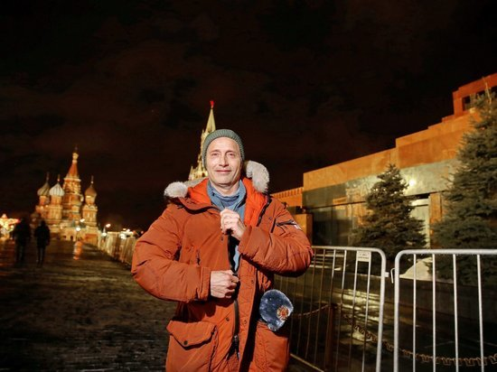 Датского актера Миккельсена на Красной площади приняли за двойника Путина