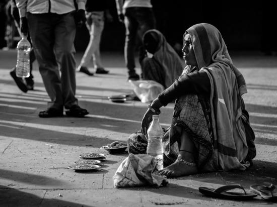 На всемирном благотворительном форуме ищут причину бедности