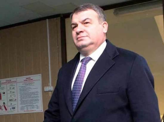 Сердюкова единогласно избрали главой ТСЖ в доме, где живет Васильева