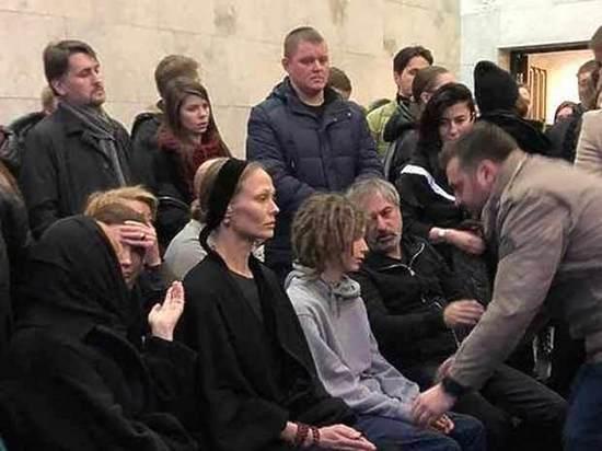 Сын Децла выступил против сбора денег на фильм об отце