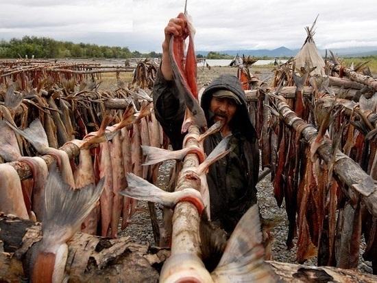 Какие народы больше всего соблюдают свои традиции