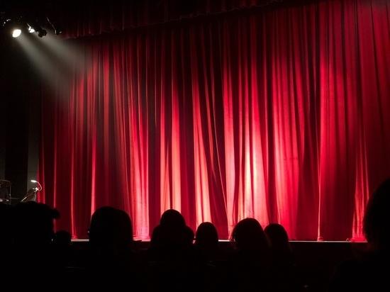 Ульяновский драматический театр организует бесплатные видеопоказы