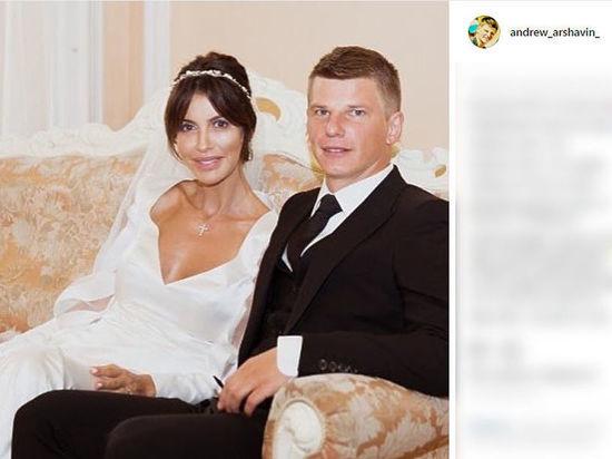 Жена Аршавина написала на экс-футболиста заявление в ФСБ из-за угроз