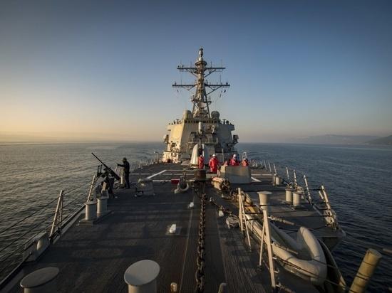 «Перепуганный» российскими ВВС американский эсминец опять идет в Одессу