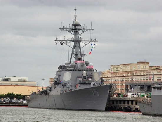 Donald Cook пришвартуется в порту Одессы 25 февраля