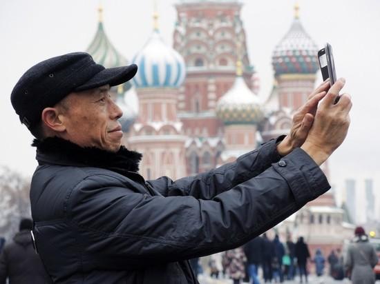 Чаще всего в Россию в 2018 году приезжали китайские туристы