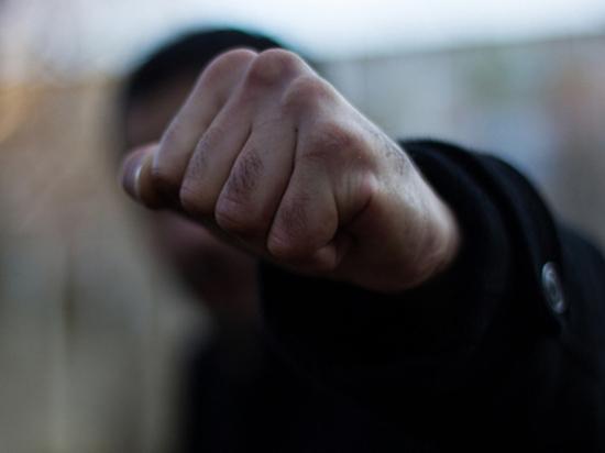 Рецидивист ограбил и избил женщину на кладбище в Тверской области