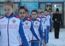 Воспитанники нижегородских детских домов встали на коньки