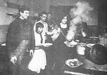 Как молодежь 1920-х решала проблемы совместного проживания