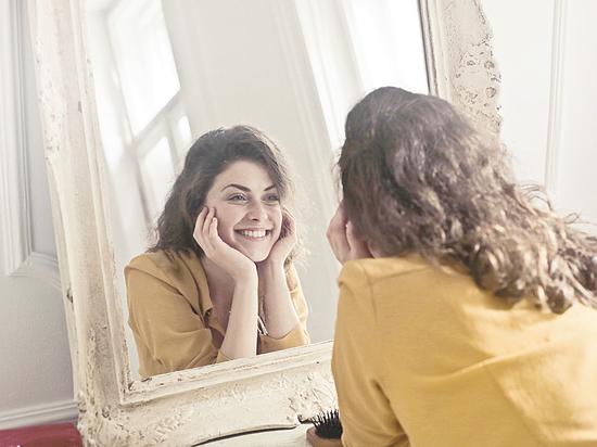 Как ухаживать за лицом: специалист раскрыл секреты молодости кожи