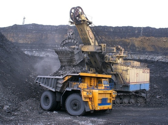 Украина начала по-крупному скупать российский уголь через Белоруссию