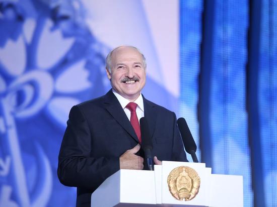 Лукашенко покарает США заразмещение ракет вевропейских странах — Двойная игра