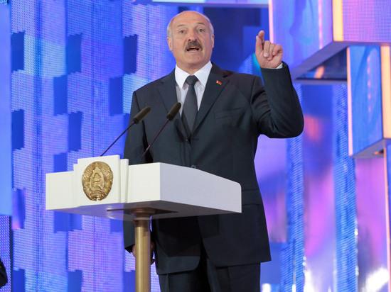 Лукашенко предсказал белорусам жизнь «под плеткой» в случае дестабилизации страны
