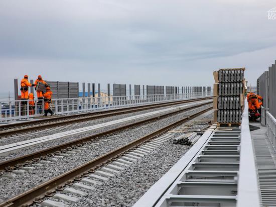 Свет и акустика: для Крымского моста подобрали шумовую защиту