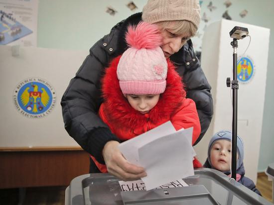 В Молдавии решают, будет ли еще одна революция