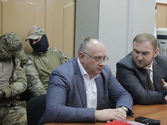 ФСБ, СКиМВД Российской Федерации провели обыски узамглавы Следственного комитета Дагестана