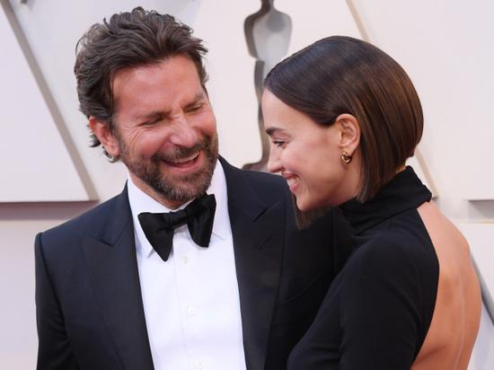 Ирина Шейк продемонстрировала откровенный наряд на ковровой дорожке «Оскара»