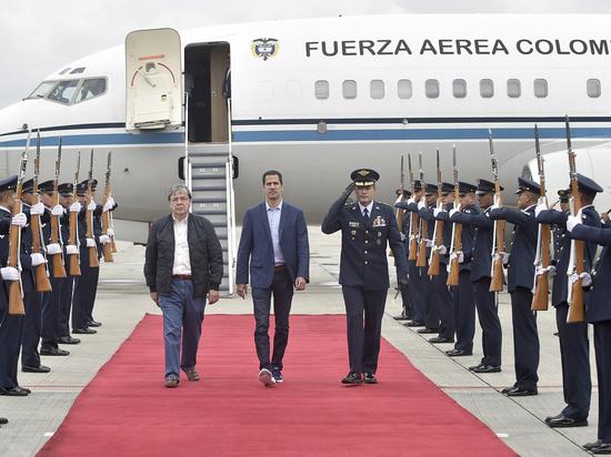 Что происходит в Венесуэле: Гуайдо ищет союзников