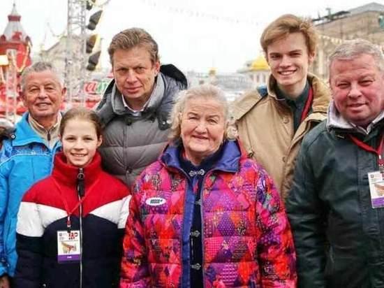 Легендарных отечественных конькобежцев чествовали на Красной площади