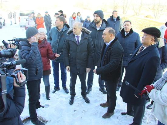 Группа депутатов ЗС во главе с Сергеем Соколом посетила площадку «Усольехимпрома»