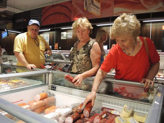 В правительстве решили проверить производителей колбас и сыров