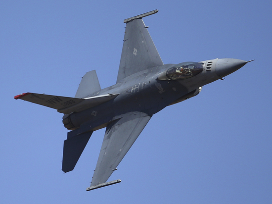 Индия и Пакистан начали воздушную войну: сбиты три истребителя