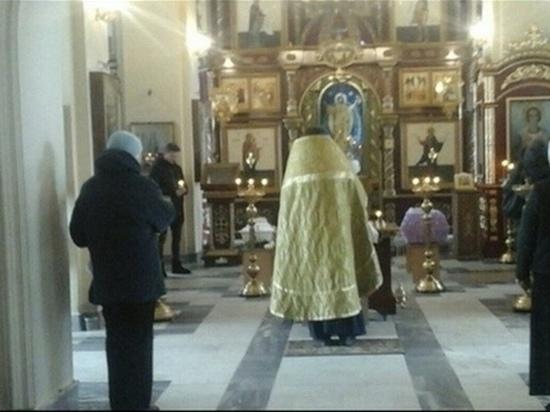В Кирове прошли похороны девочки, которую убила родная мать