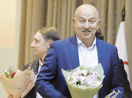 Черчесов выиграл очередной приз и посвятил его сборной России
