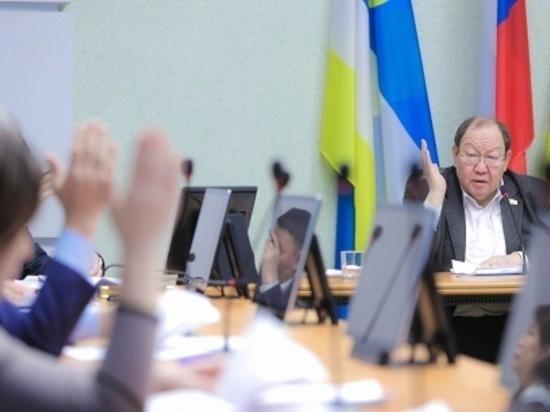 Без сантиментов: депутаты горсовета проголосовали за отставку Александра Голкова