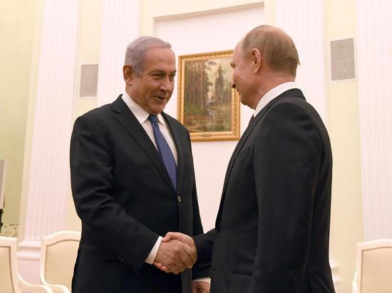 Нетаниягу в Кремле поздравил Путина с Днем защитника Отечества