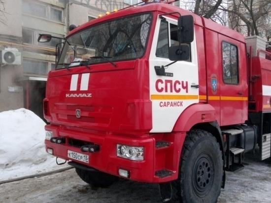 Пожар и прорыв трубы: из пятиэтажки в Саранске эвакуировали жильцов