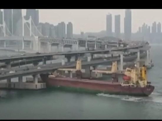 СМИ: капитан врезавшегося в мост российского судна был пьян