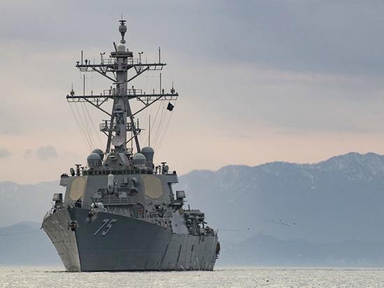Американский эсминец «Дональд Кук» оказался между двумя российскими корабля ВМФ