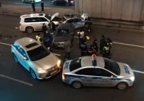 Оформление незначительной аварии на ТТК в ночь на 1 марта привело к жутким последствиям для экипажа ДПС ГИБДД УВД по ЮЗАО — в полицейский Ford врезался невнимательный уроженец Грузии на иномарке