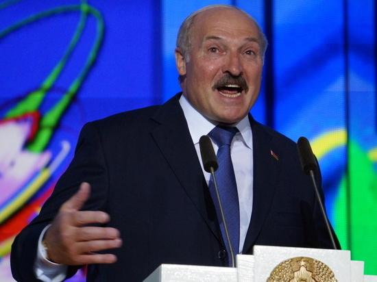 Лукашенко ответил на вопрос о намерении России поглотить Белоруссию