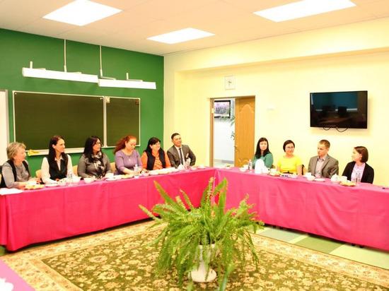 Глава Лабытнанги и молодые учителя обсудили городскую сферу образования