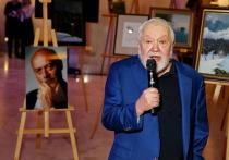 В концертном зале Югра-классик состоялось открытие выставки живописных работ скончавшегося в прошлом году народного артиста Станислава Говорухина
