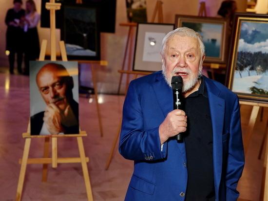 В Ханты-Мансийске открылась выставка работ Станислава Говорухина