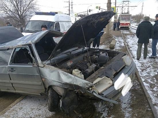 В Липецке пьяный водитель блокировал движение на Октябрьском мосту
