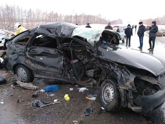 В страшном ДТП на трассе погибли трое жителей Башкирии