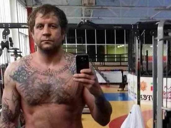 Александр Емельяненко «расКадыровался»: почему боец опять попал в скандал