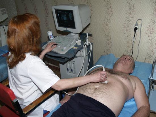 Саратовских докторов-пенсионеров зовут на работу в сельские больницы
