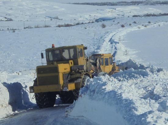 Снегопад завалил проезд к 5 селам в Ульяновской области