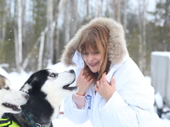 Настасья Кински покаталась на собаках под Ханты-Мансийском