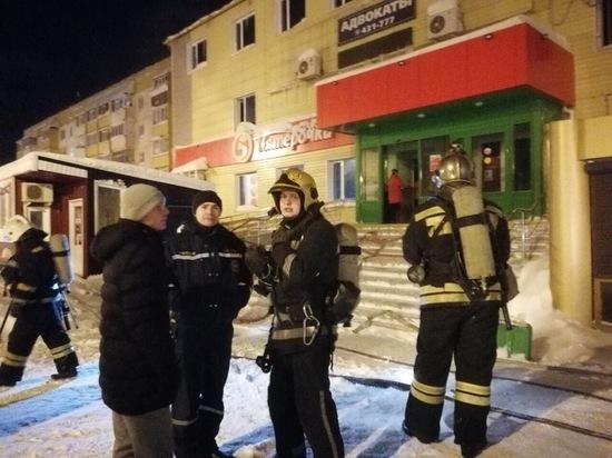 В Ноябрьске чуть не сгорело кафе «Фрегат»