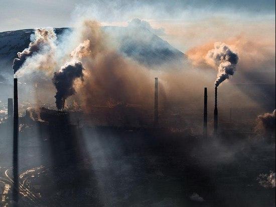 Орск и Новотроицк регулярно накрывает вонючий смог