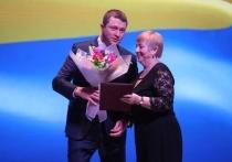 В «Янтарь-холле» калининградкам передали слова Антона Алиханова